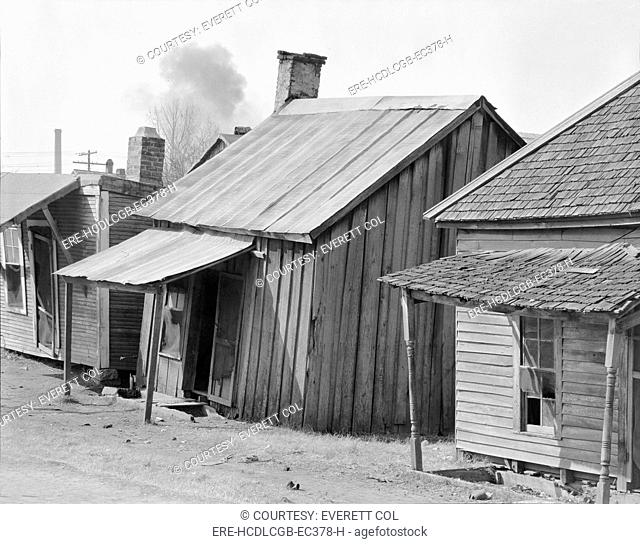 African American houses, titled: 'Negro Houses', Mississippi, photograph by Walker Evans, March, 1936
