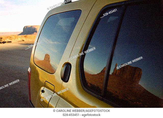 Monument Valley Navajo Tribal Park, near town of Kayenta, Arizona, USA