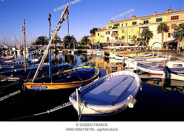 France, Var, Sanary sur Mer, Harbour