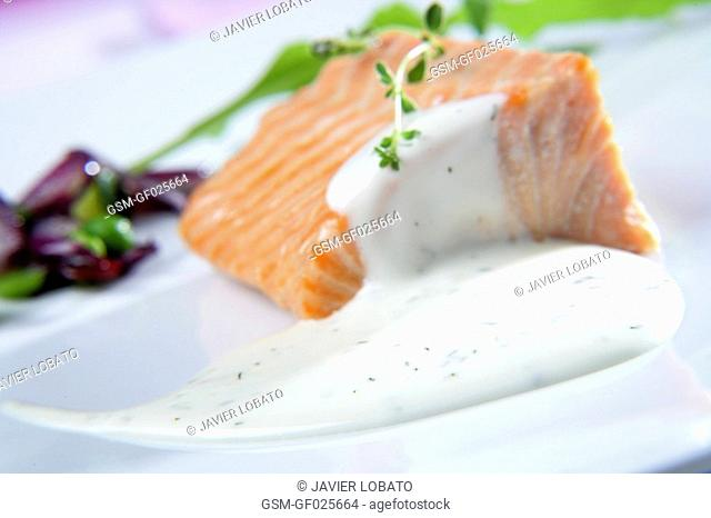 Salmon with sour cream sauce