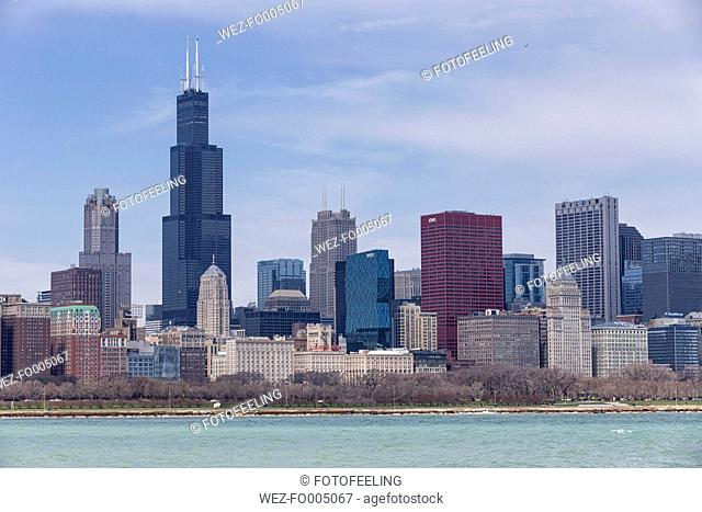 USA, Illinois, Chicago, View of Willis Tower with Lake Michigan