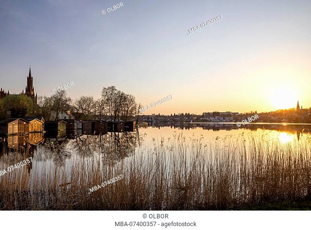 Germany, Mecklenburg-Western Pomerania, Malchow, cityscape, Malchower See, evening, atmospheric