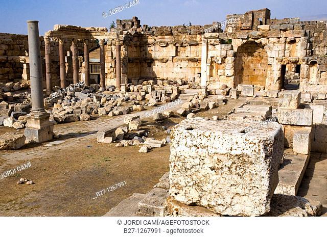 Great court, archaelogical site of Baalbek,UNESCO World Heritage Site  Bekaa valley  Lebanon