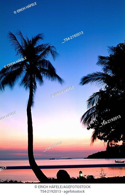 Sunset on the beach in Ko Tao