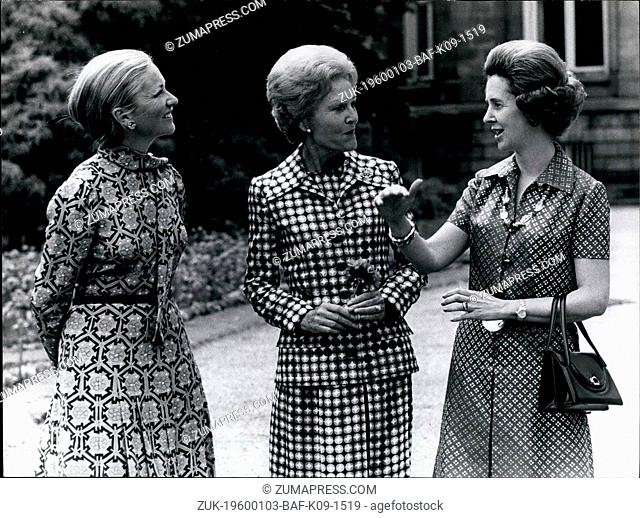 1957 - Signing of the new Atlantic Charter 25 years of NATO Mrs. Nixon with Queen Fabiola & Princess Paola at Laeken Castle garden