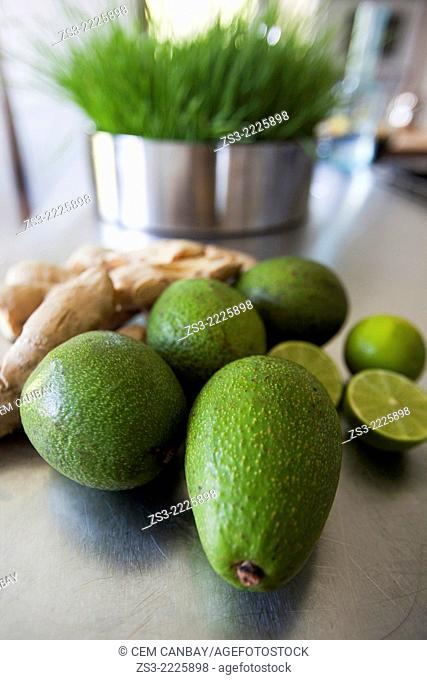 Close-up shot of avocados and lemons, Bodrum, Mugla, Aegean Sea, Turkish Riviera, Turkey, Europe