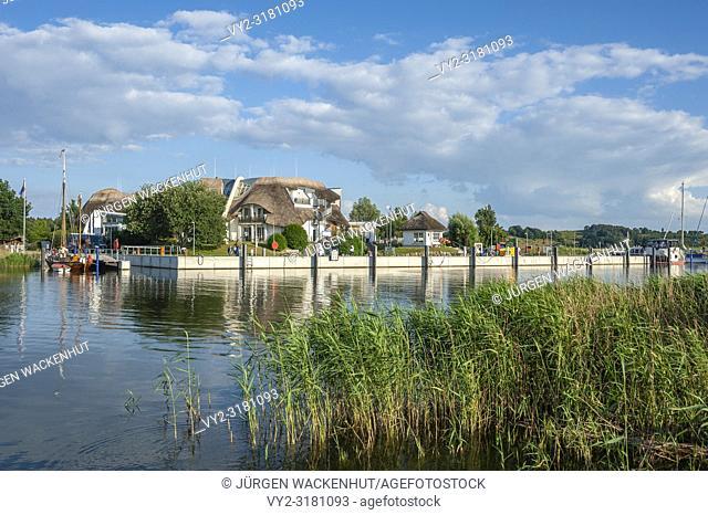 Bulwark with hotel Solthus at Lake at the canal Baaber Bek, Sellin-Moritzdorf, Ruegen, Mecklenburg-Vorpommern, Deutschland, Europe