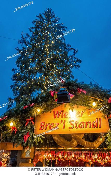 City Hall, Wiener Christkindlmarkt, Christmas Market in Vienna, Austria, Vienna