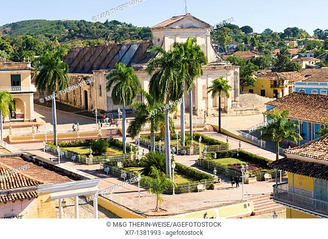 Plaza Mayor and Church Parroquial Mayor or Santisima Trinidad, Trinidad, Sancti Spiritus Province, Cuba, Central America, Unesco World Heritage Site