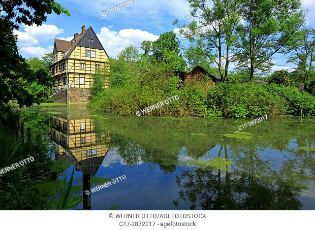 Germany, Gladbeck, Ruhr area, Westphalia, North Rhine-Westphalia, Wittringen Castle, moated castle, former manor house, half-timbered house, municipal museum