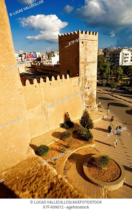 Tunez: Sfax  Walls of the medina, and walls of the kasbah
