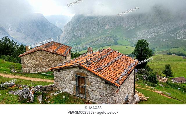 La Terenosa, Central Massif, Picos de Europa National Park and Biosphere Reserve, Asturias, Spain