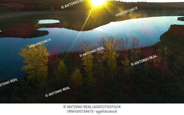 Vista con dron. Reserva Natural Laguna Ojos de Villaverde. Sierra de Alcaraz. Robledo. Albacete