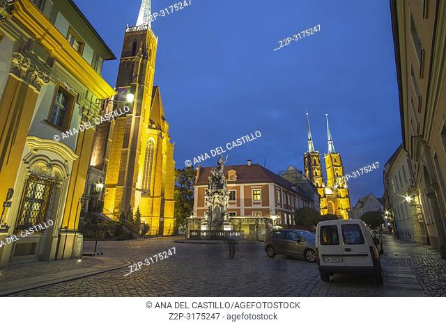 Tum The island of the cathedral in Wroclaw by dusk Poland