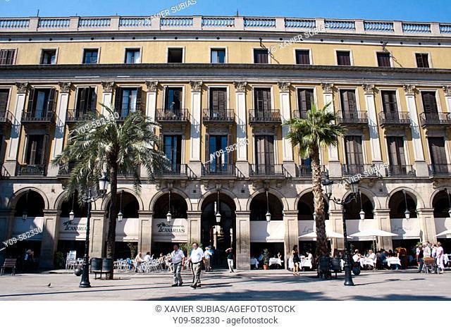 Plaça Reial (architect: Francesc Daniel Molina). Barcelona. Spain