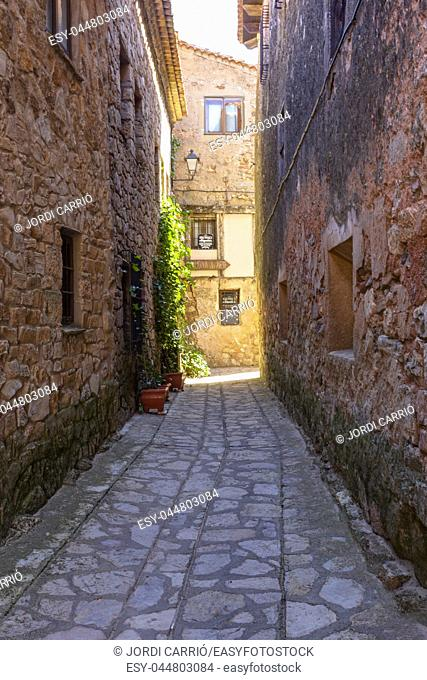 The historic center of Medinaceli can be found in a good number of alleys and charming corners