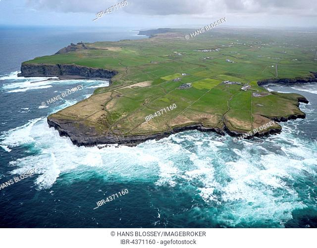 Hags Head, cliffs, strong waves, Cliffs of Moher, County Clare, Atlantic Ocean, Ireland