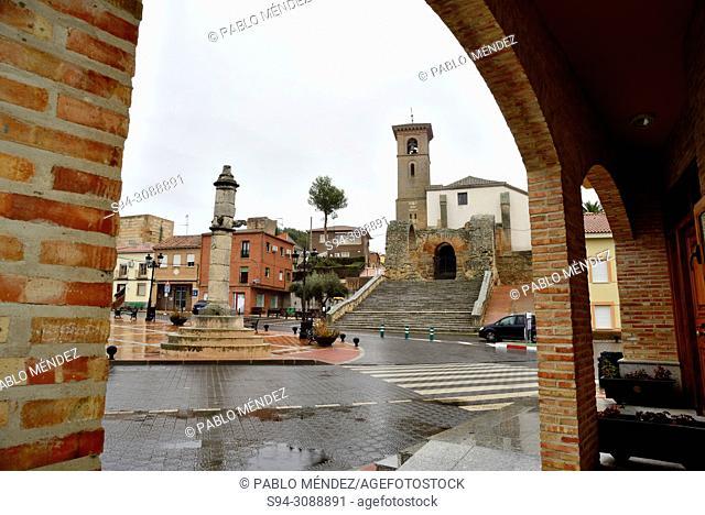 Church of Santa María de los Alcazares and Main square of Maqueda, Toledo, Spain
