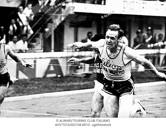 Athletics, sienna, Eddy Ottoz wins the 400m hurdles, 1966