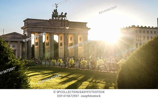 brandenburger tor at pariser platz in berlin and sunlight