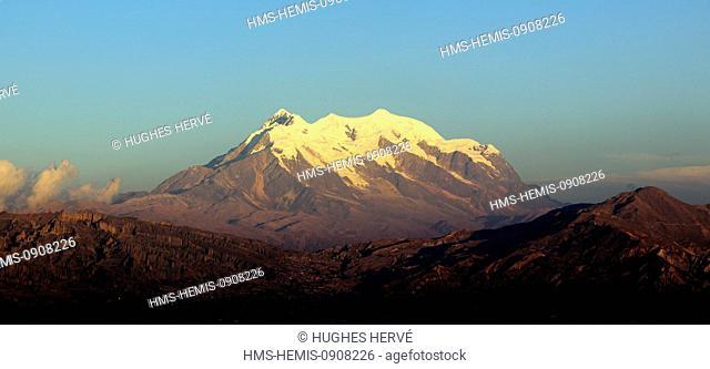 Bolivia, La Paz Department, La Paz, Illimani volcano (6430 m)