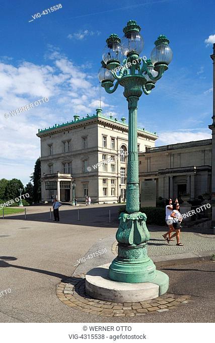 DEUTSCHLAND, ESSEN, BREDENEY, 26.07.2009, D-Essen, Ruhr area, North Rhine-Westphalia, D-Essen-Bredeney, Friedrich Alfred Krupp, Villa Huegel, lantern