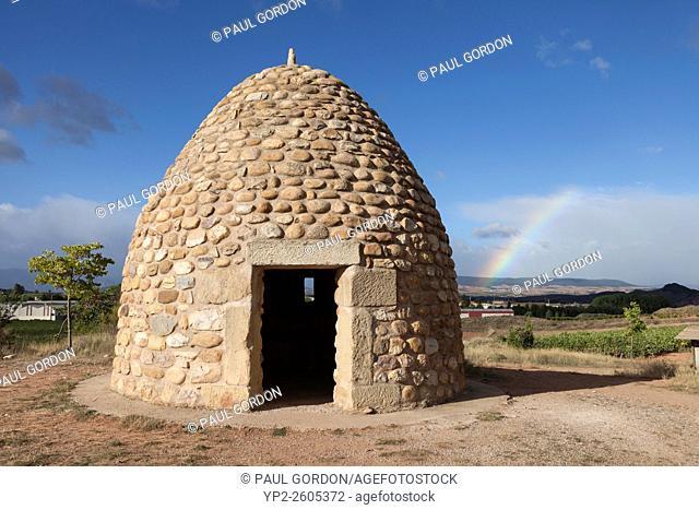 Modern shepherd's hut outside of the village of Nájera - La Rioja, Spain