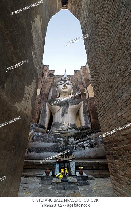 Giant Buddha statue, Wat Si Chum, Sukhothai historical park, Sukhothai, Thailand