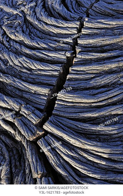 Crack in cooled pahoehoe lava flow, Kilauea Volcano, Big Island, Hawaii Islands, USA