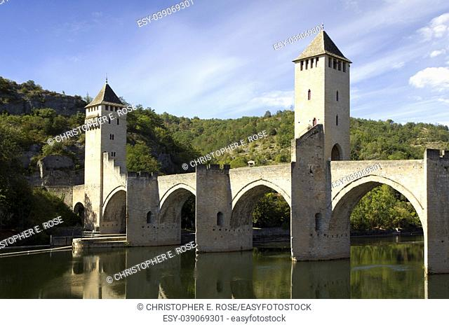Europe, France, Midi Pyrenees, Lot, Cahors, the historic Pont Valentre fortified bridge across the River Lot