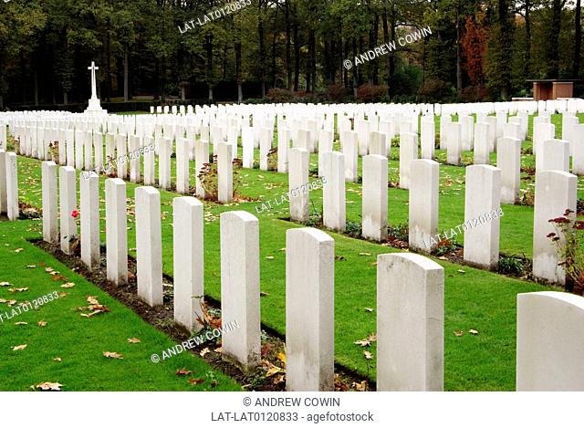 The Arnhem Oosterbeek War Cemetery,more commonly known as the Airborne Cemetery,is a military cemetery. It was established in 1945 and is home to 1759 graves...