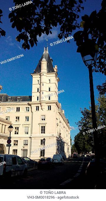 Tribunal Correctionnel. Paris. France