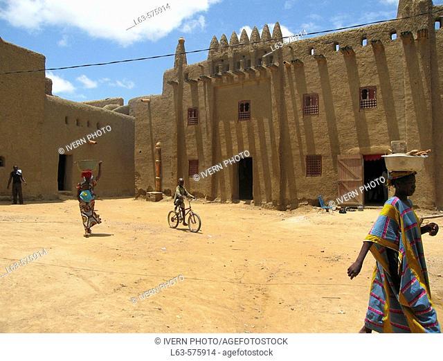 Typical houses, Djenné. Mali