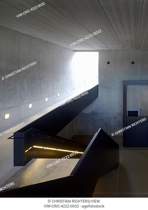 Stairway landing and corridor. German Aerospace Centre (DLR), Bremen, Germany. Architect: Kister Scheithauer Gross, 2012