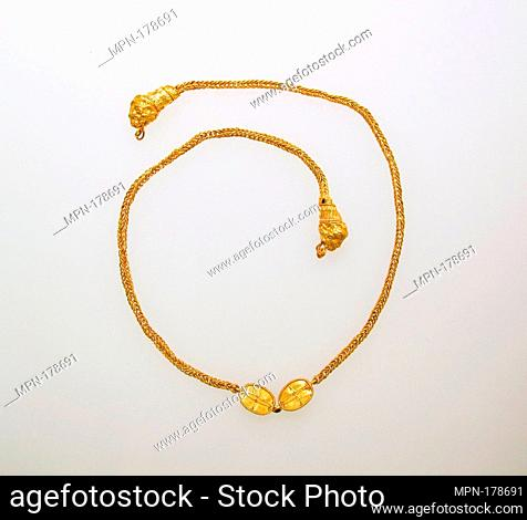 Necklace, chain. Date: 7th-5th Century B.C; Culture: Etruscan; Medium: GOLD; Dimensions: Other: 18 1/2 in. (47 cm); Classification: Gold and Silver; Credit...