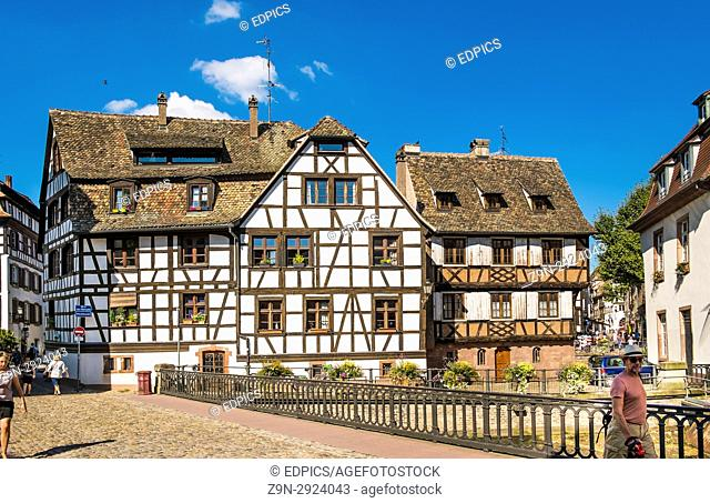half-timbered houses in strasbourgs historic petit france district, quai de moulins, muehlstade, strasbourg, alsace, Bas-Rhin, France