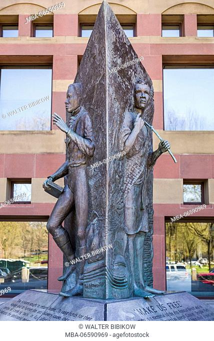 USA, Connecticut, New Haven, statue dedicated to the slave revolt on the slave ship Amistad, 1839