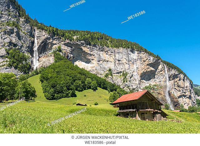 Landscape in the Lauterbrunnen Valley with the Spissbach Falls and the Staubbach Falls, Lauterbrunnen, Bernese Oberland, Switzerland, Europe
