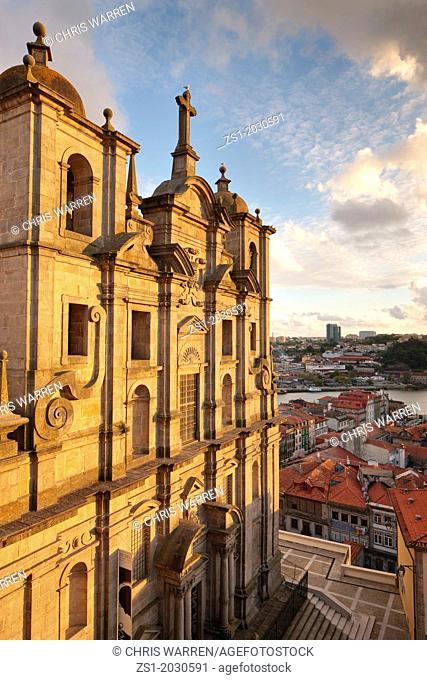 Evening light Igreja dos Grilos Ribeira Porto Portugal.1015