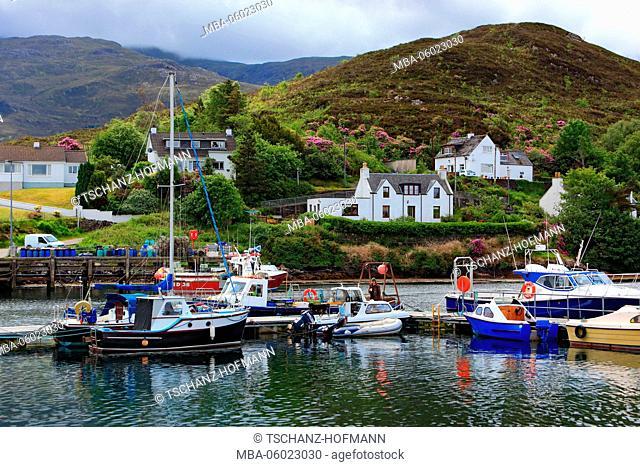 Scotland, the Inner Hebrides, Isle of Skye, Kyleakin village, small harbor
