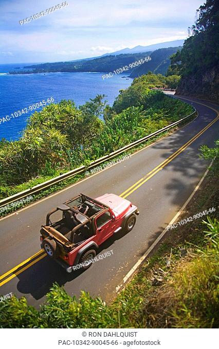 Hawaii, Maui, Jeep on the road to Hana near Hanamanu