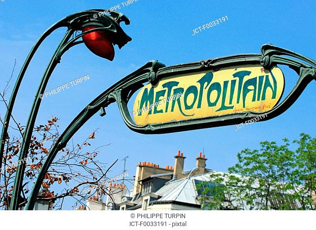 France, Paris, subway station