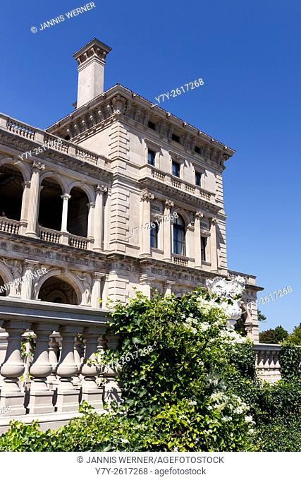 The Breakers, palatial mansion of Cornelius Vanderbilt and chief among the Newport Mansions in Newport, RI, USA