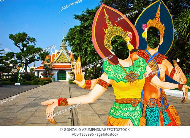 Scenes in Wat Arun, The Temple of the Dawn  Bangkok, Thailand, Southeast Asia, Asia