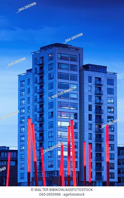 Ireland, Dublin, Docklands, Grand Canal Square buildings, dusk