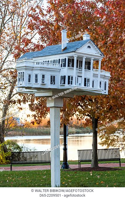 USA, Delaware, Wilmington, birdhouses on the Riverwalk, Christina River, dawn
