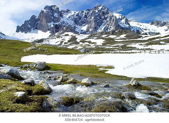 Peña Vieja, Peña Olvidada and Salgardas stream  Central Massif in Picos de Europa mountain range, Cantabria, Spain, Europe