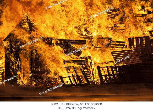 USA, New England, Massachusetts, Cape Ann, Rockport, Fourth of July Bonfire