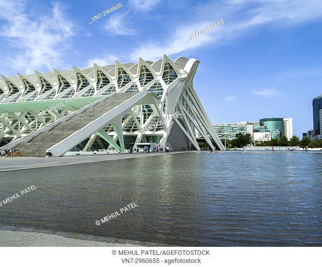 Science Museum (Museu de les Ciències) designed by architect Santiago Calatrava in the City of Arts and Sciences complex, Valencia, Spain