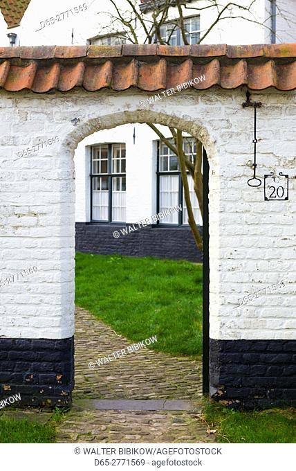 Belgium, Bruges, Begijnhof, 13th century convent, archway